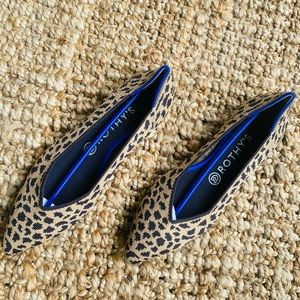 Rothys leopard point